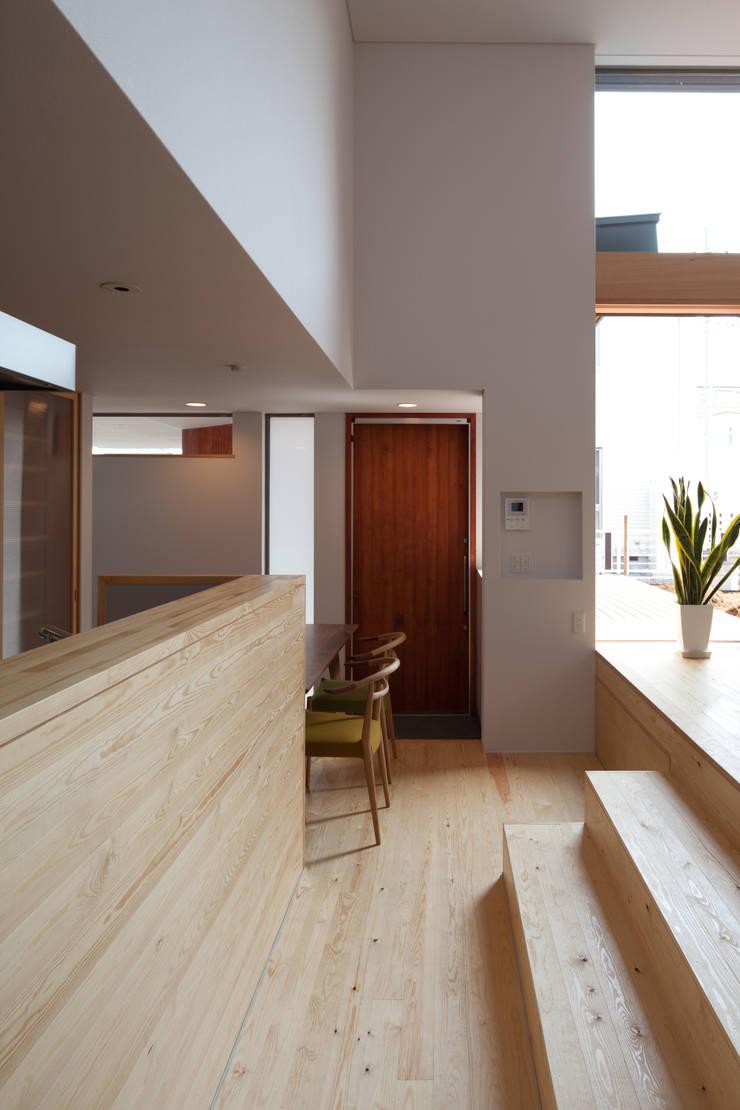 Salle à manger de style  par 株式会社 井川建築設計事務所
