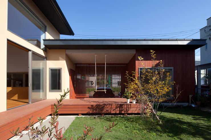Maisons de style  par 株式会社 井川建築設計事務所