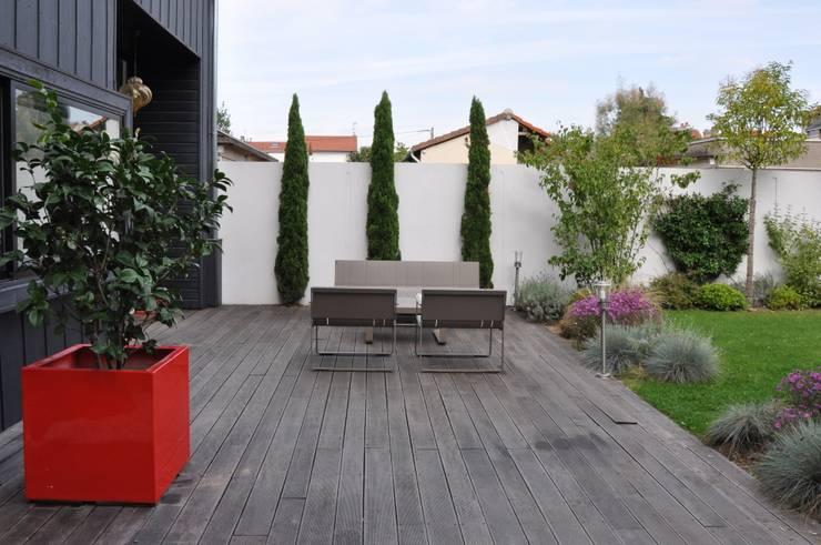 moderne Tuin door  GARDEN TROTTER