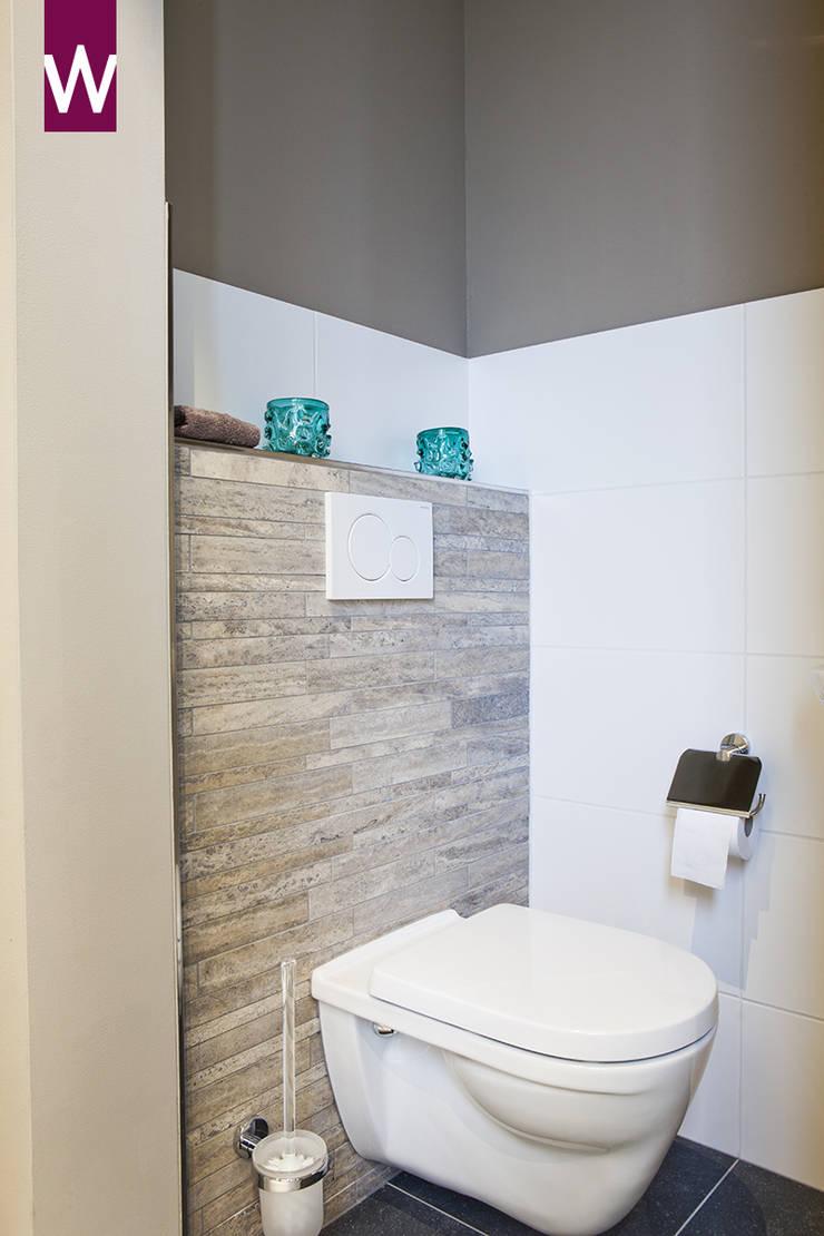 Toilet in een rustieke sfeer:  Badkamer door Van Wanrooij keuken, badkamer & tegel warenhuys, Rustiek & Brocante