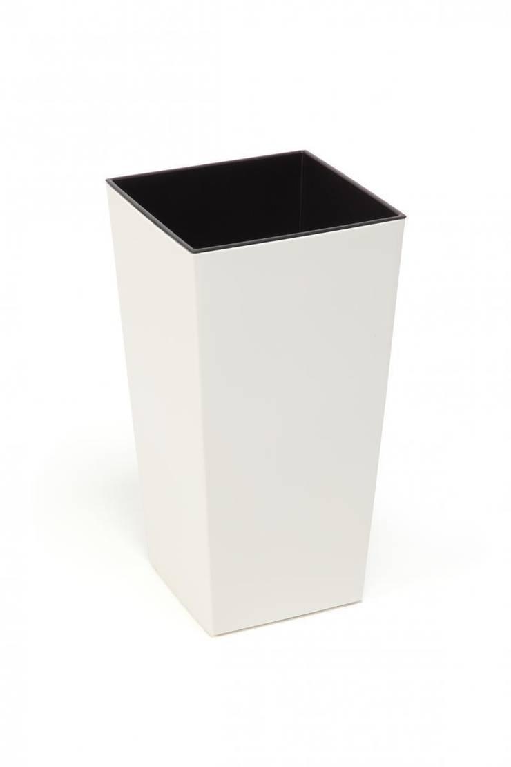 Donica biała: styl , w kategorii  zaprojektowany przez Ired-Garden,Minimalistyczny