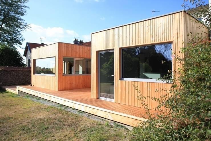COURSIVE: Maisons de style de style Scandinave par bertin bichet architectes