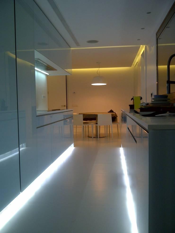 Casa en Mirasierra  (Madrid): Cocina de estilo  de GRUPO COECO