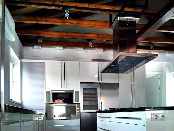 Casa en Aravaca (Madrid): Cocina de estilo  de GRUPO COECO