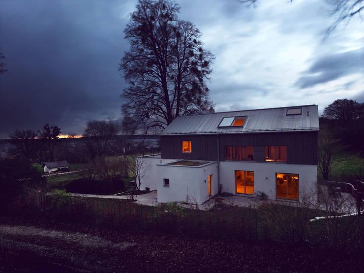 LASSEHAUS:  Häuser von Spandri Wiedemann Architekten