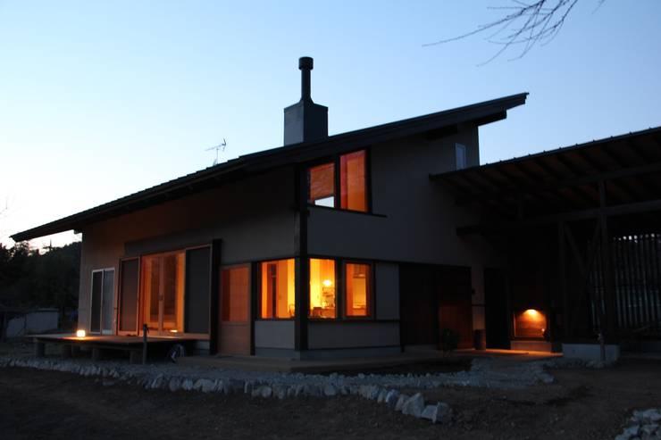 小淵沢の舎‐外観: 有限会社中村建築事務所が手掛けた家です。