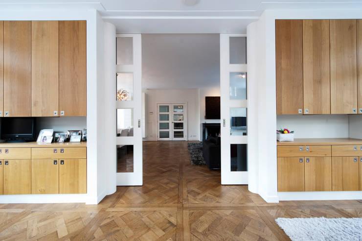 Begeleiden verbouwing,  interieur-voorstel en levering van de meubels:  Serre door Mood Interieur