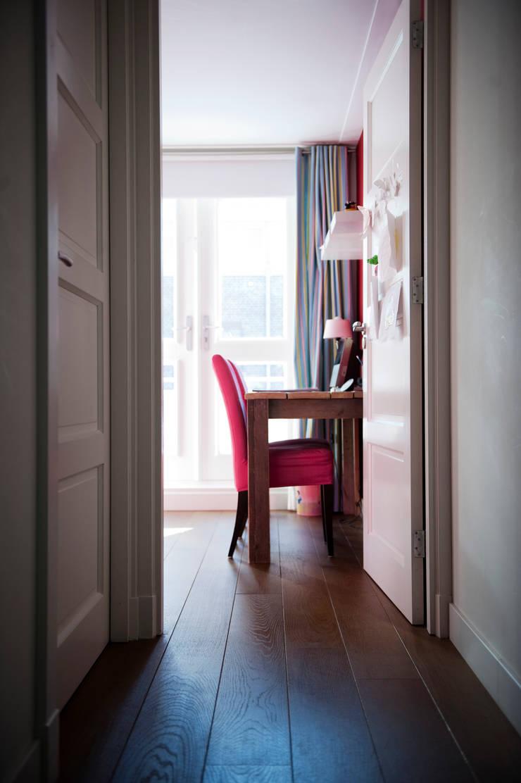 Begeleiden verbouwing,  interieur-voorstel en levering van de meubels:  Kinderkamer door Mood Interieur