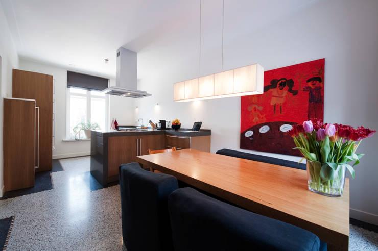 Begeleiden verbouwing,  interieur-voorstel en levering van de meubels:  Keuken door Mood Interieur