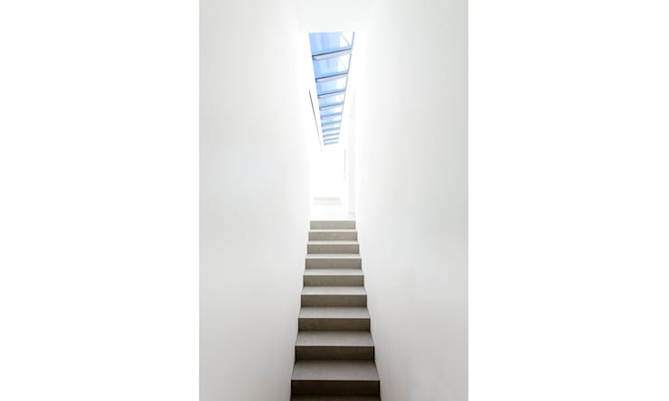 Corridor, hallway by Philipp Architekten - Anna Philipp