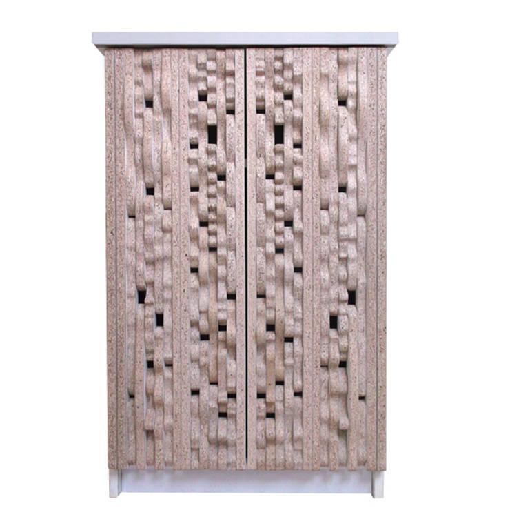 Kastje in gezaagd wit:  Woonkamer door atelier delfts hout