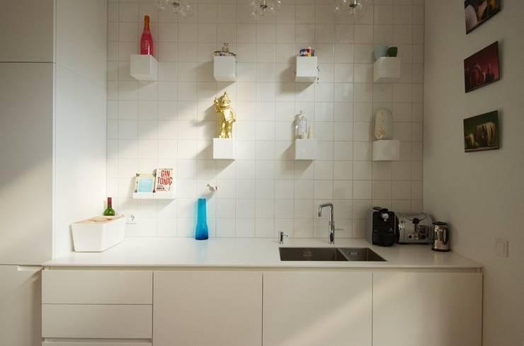 Bennebroekstraat, Amsterdam:  Keuken door Bendien/Wierenga architecten