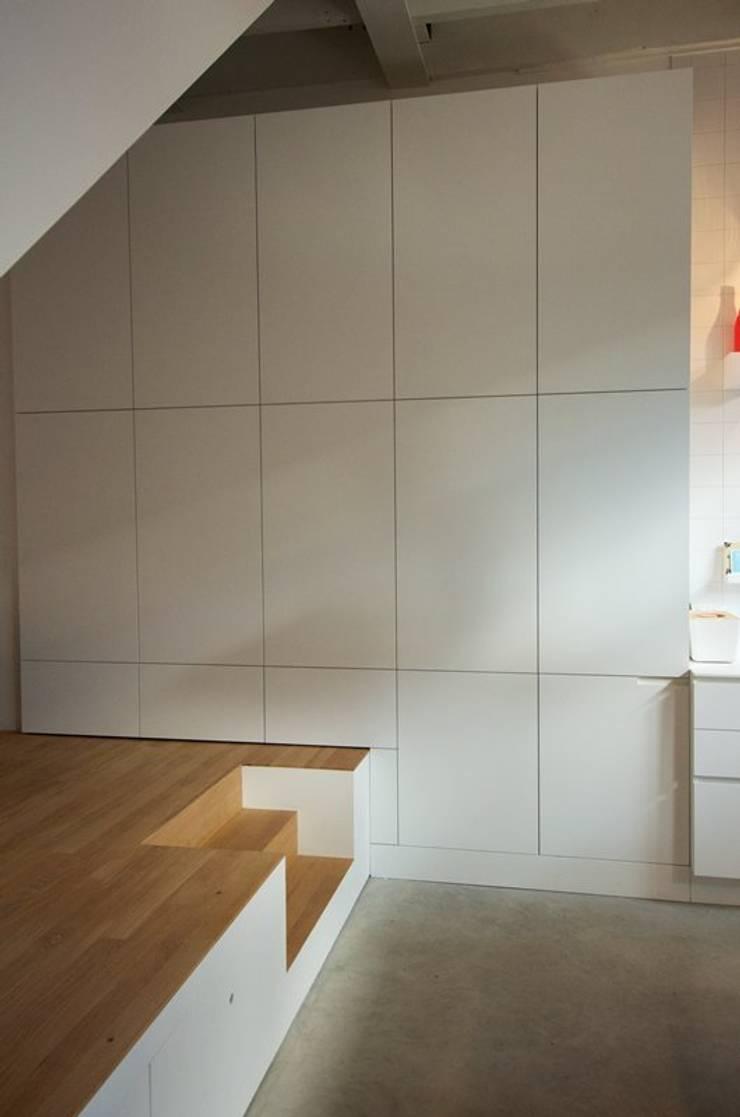 Bennebroekstraat, Amsterdam:  Woonkamer door Bendien/Wierenga architecten