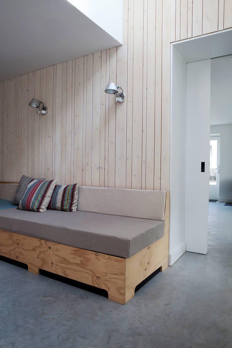 Vakantiehuis Schiermonnikoog:  Gang, hal & trappenhuis door Binnenvorm