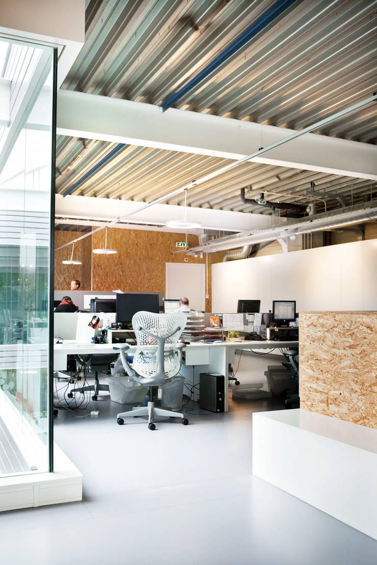 Filmproductie kantoor Lemming Film, Amsterdam:  Kantoor- & winkelruimten door Binnenvorm, Modern