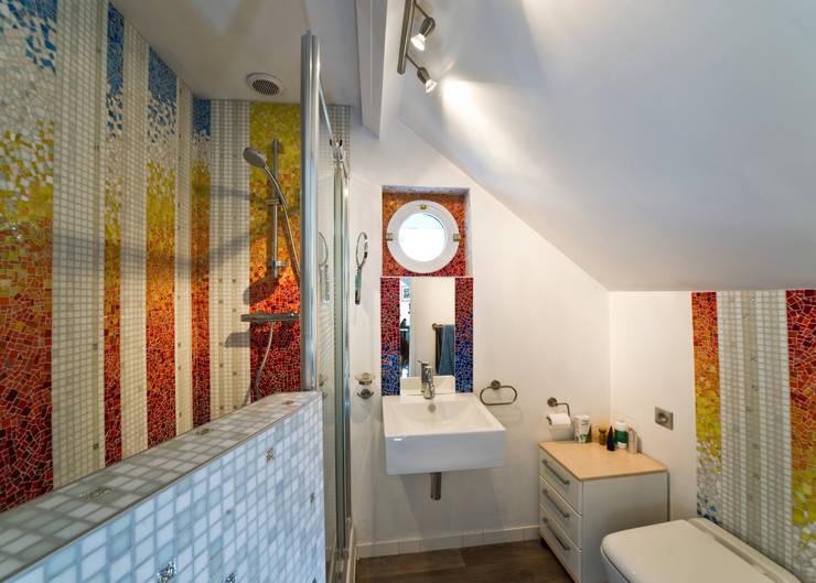 Baños de estilo  por Art Mosaico