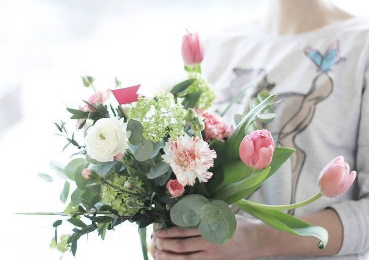 Bukiet biało-różowy: styl , w kategorii  zaprojektowany przez Akuratnie