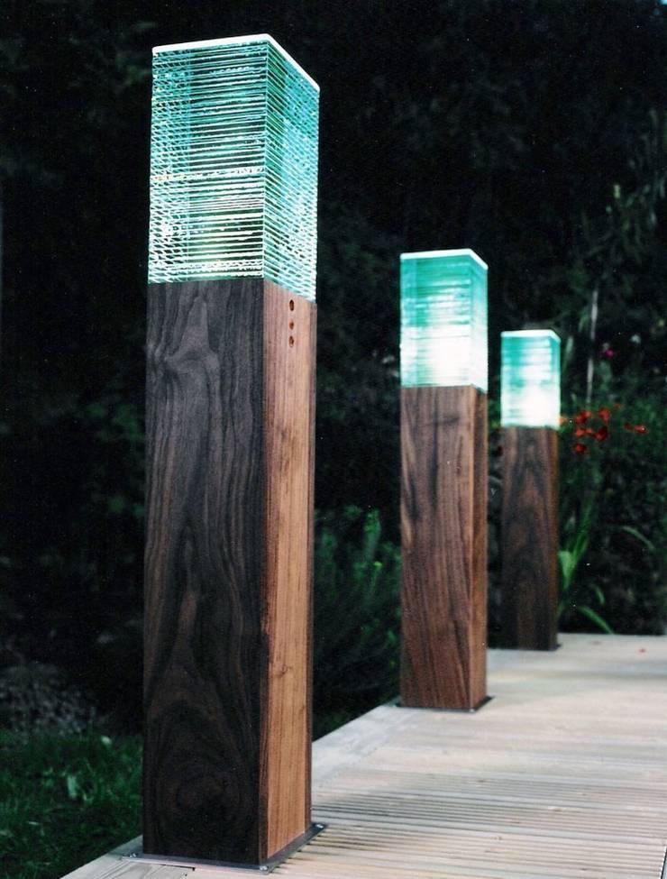 Iluminação de Jardins: Jardins  por Volani - Lighting Designs, Lda