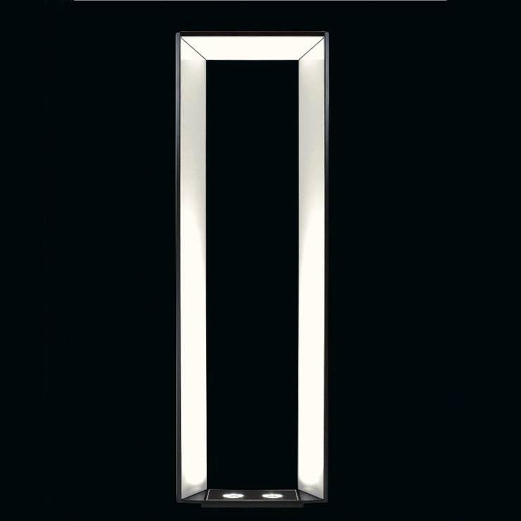 Iluminação de Jardins: Espaços comerciais  por Volani - Lighting Designs, Lda