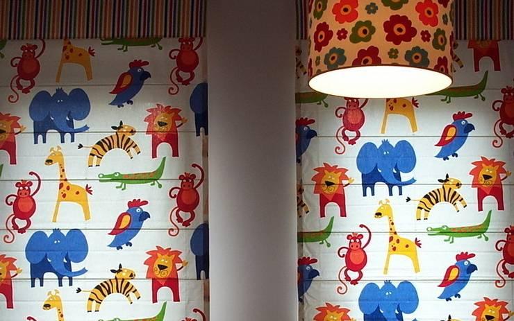 Rolety rzymskie i abazur do lampy: styl , w kategorii Pokój dziecięcy zaprojektowany przez 7 razy ładniej