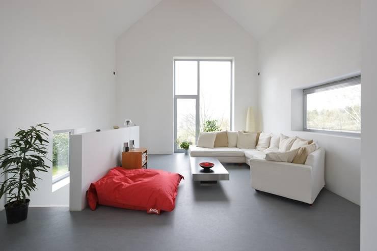 Maison ND: Salon de style de style Moderne par Atelier d'Architecture Geoffrey Noël