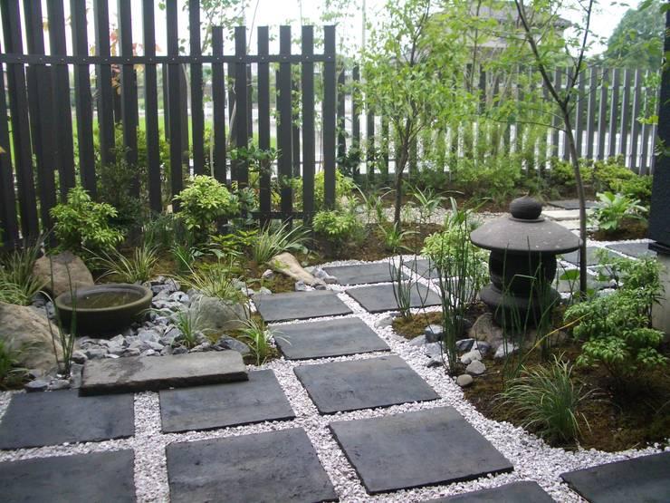空間工房 欅: klasik tarz tarz Bahçe