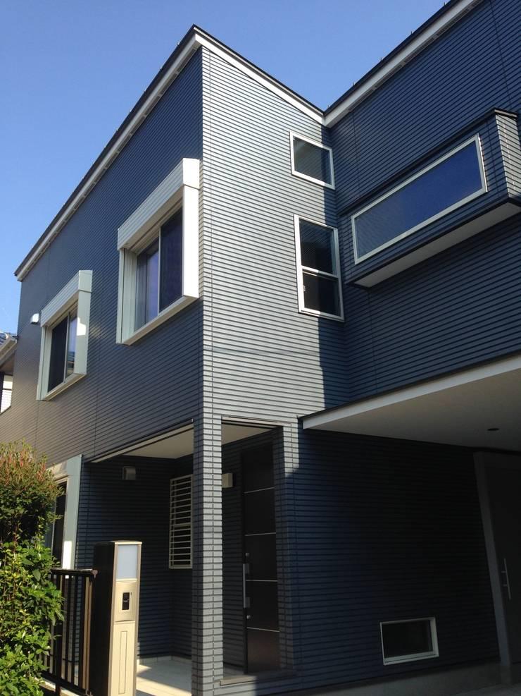 学園西町の家: 奥村召司+空間設計社が手掛けた家です。,モダン