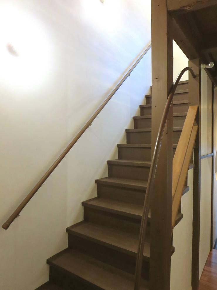 階段: あお建築設計が手掛けたクラシックです。,クラシック