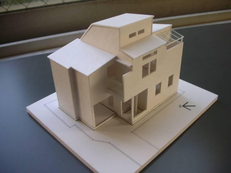 バルコニー: 奥村召司+空間設計社が手掛けたです。