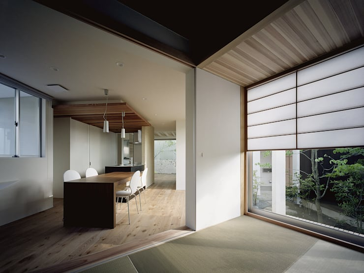 Vector(ベクトル): 和泉屋勘兵衛建築デザイン室が手掛けたダイニングです。