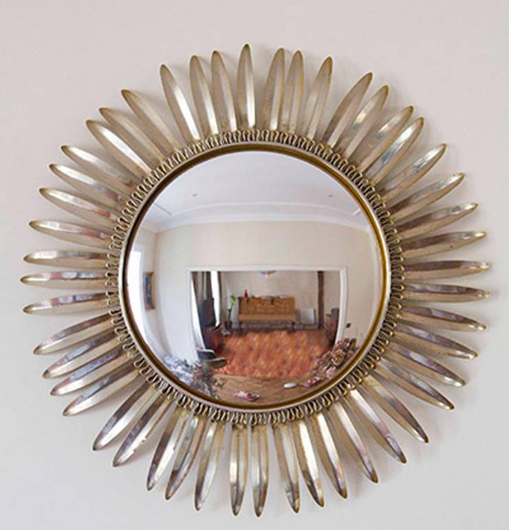 Espejo Sol de Metal: Dormitorios de estilo  de NORTH SWEET