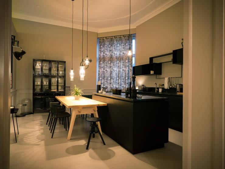 Maison // Küche:  Küche von Gleba + Störmer