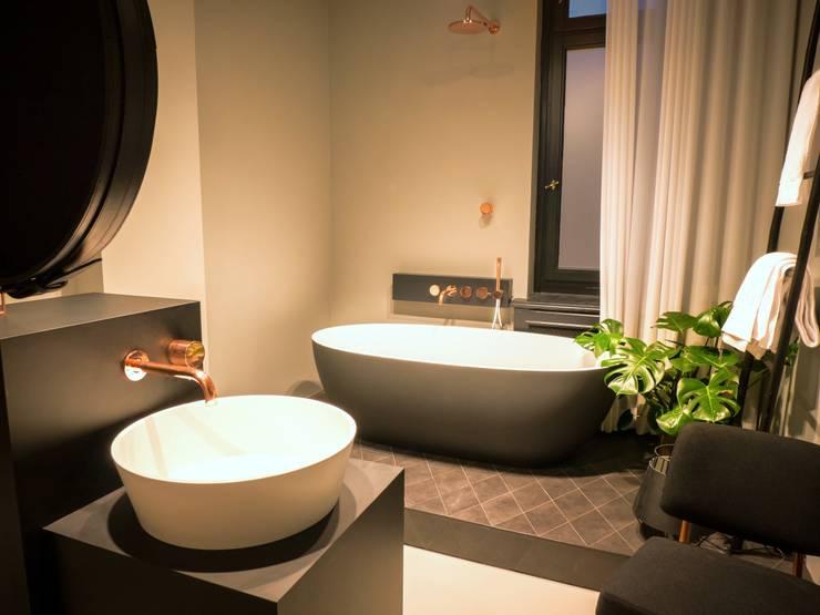 Maison // Hauptbad:  Badezimmer von Gleba + Störmer
