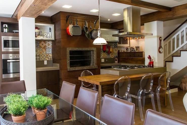 Casa: Cozinhas  por Mauricio Tarrago /Claudio Gros Arquitetura