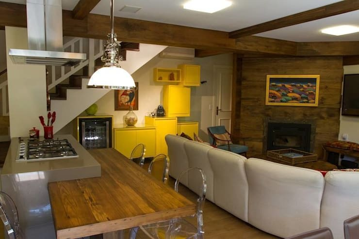 Casa: Salas de jantar  por Mauricio Tarrago /Claudio Gros Arquitetura