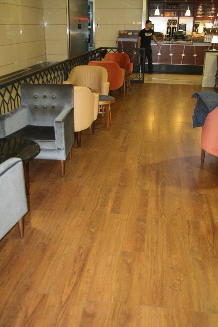 PAVIMENTOS PARA RESTAURACIÓN: Paredes y suelos de estilo  de PAVIMENTOS GERFLOR