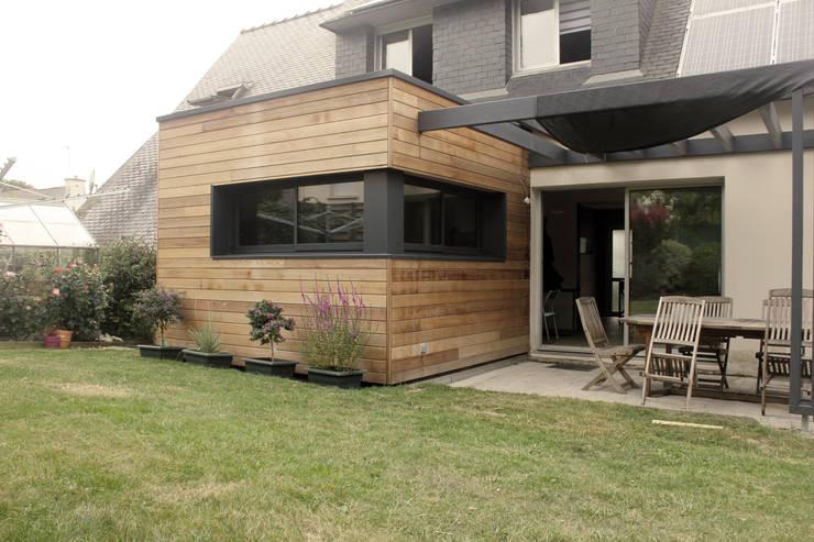 Petit Cube: Maisons de style  par Fabrick d'Architecture Nantaise