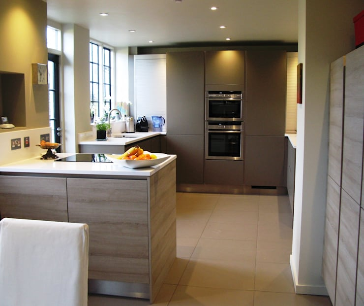 STONE OAK/FANGO :  Kitchen by Schmidt Wimbledon