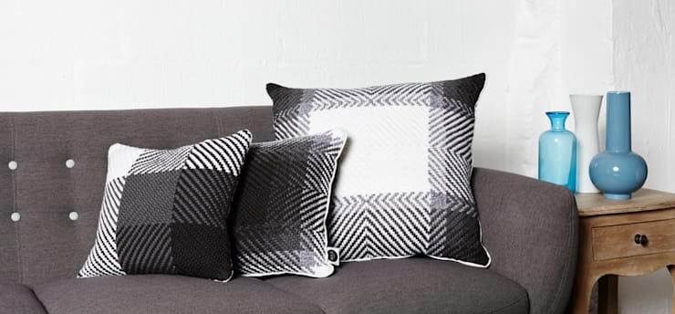 Cushion set on the sofa detail:  Living room by WLE London