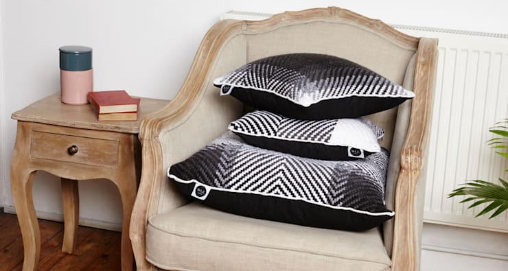 Cushion set on the chair.:  Living room by WLE London