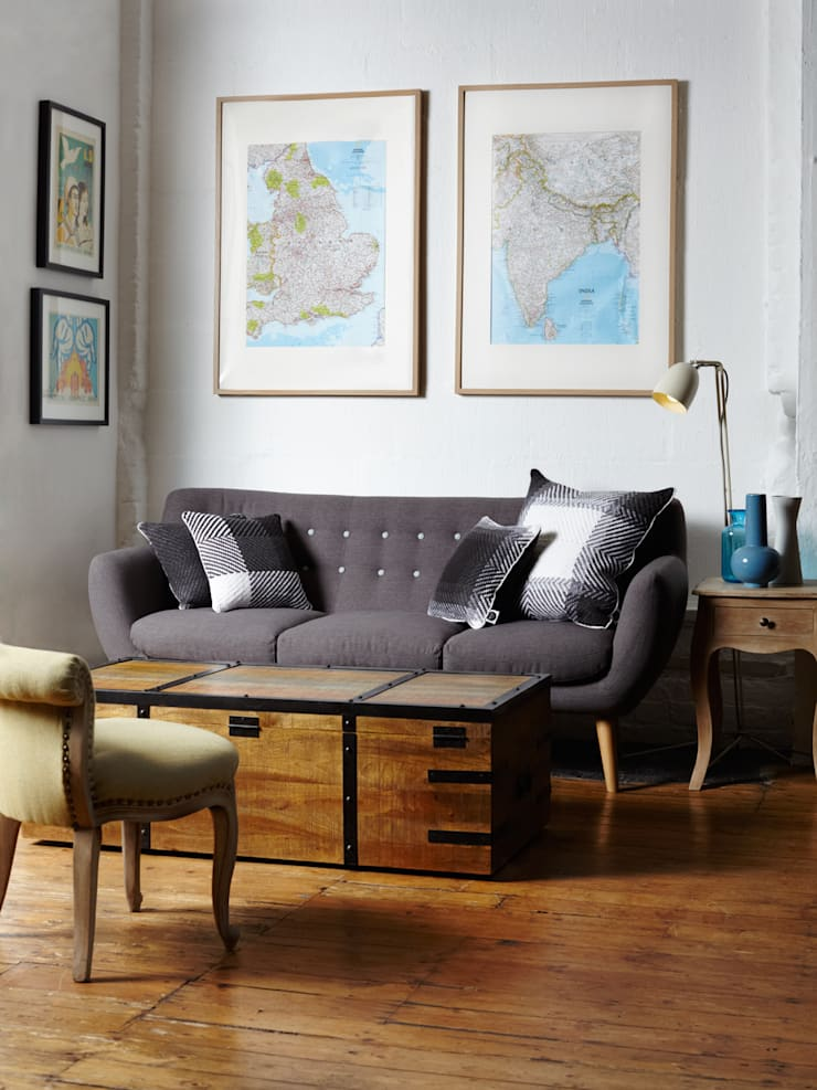 Cushion set on the sofa:  Living room by WLE London