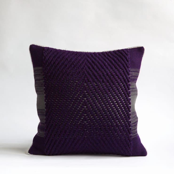 40x40 Center twill cushion:  Living room by WLE London