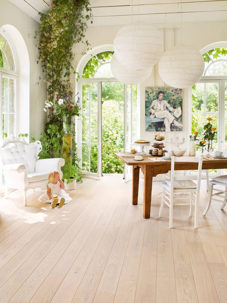 Polar Oak Matt:  Walls & flooring by Quick-Step