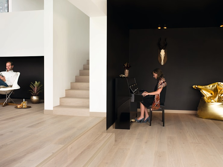 White Pepper Oak Oiled:  Walls & flooring by Quick-Step
