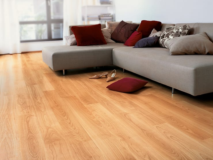 Varnished Beech:  Walls & flooring by Quick-Step
