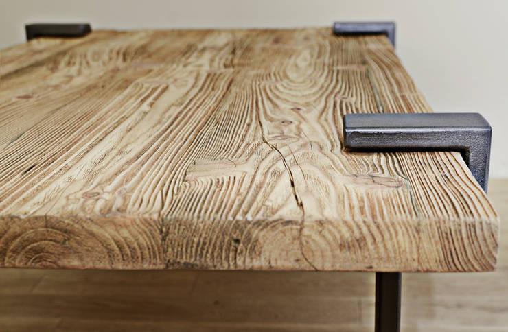Stół Richmond: styl , w kategorii Salon zaprojektowany przez Metal Story