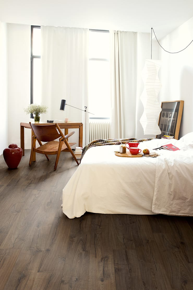 Classic Oak Brown:  Walls & flooring by Quick-Step