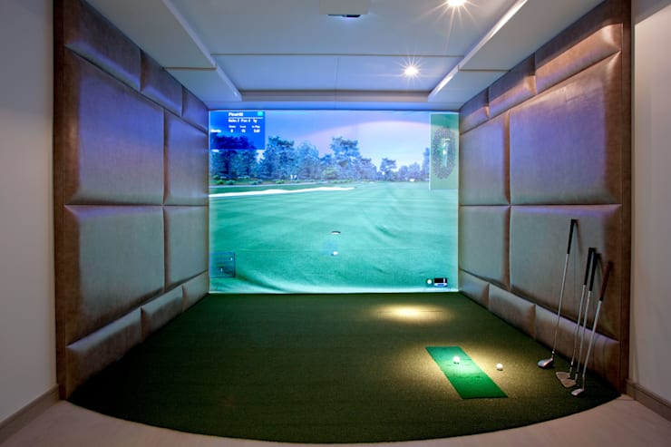 Home Golf Simulator:  Gym by RBD Architecture & Interiors