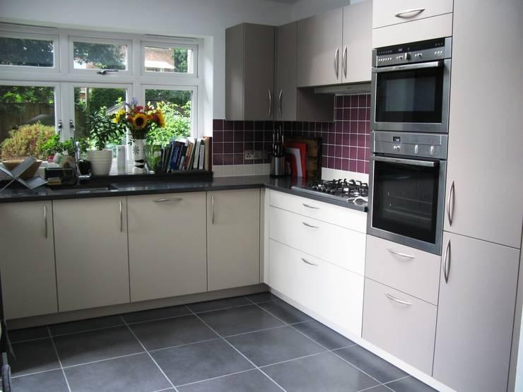 NUTMEG/MARRON GLACE :  Kitchen by Schmidt Wimbledon