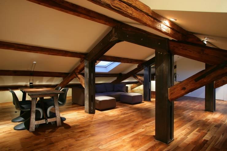 modern Living room by studio lenzi e associati